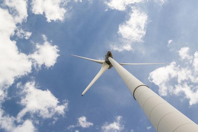 Eerste paal voor Windpark De Wieken geslagen